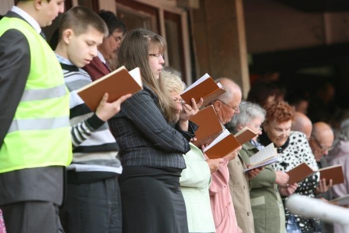 Jehovos liudytojai skaito
