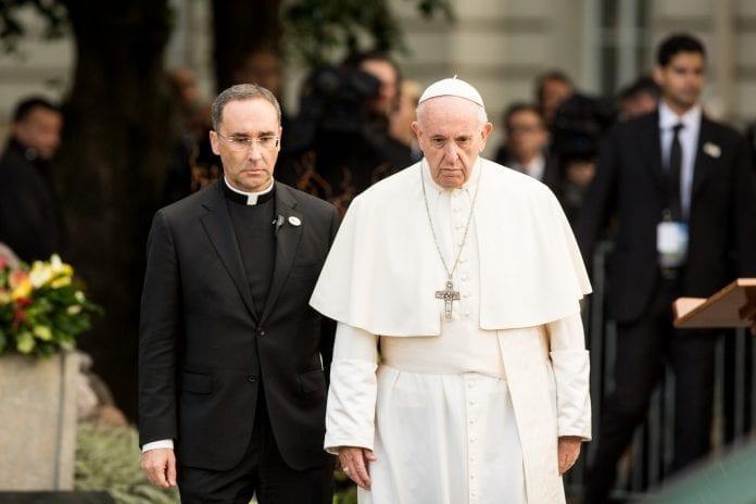 popiežius Pranciškus Lietuvoje lanko KGB muziejų