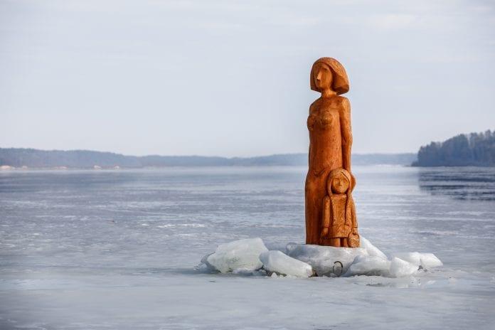Kauno mariose Samylų įlankoje esančias skulptūras sukaustė ledas
