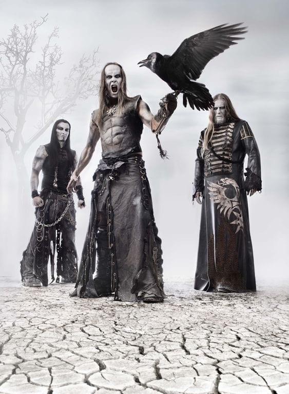 Sunkiojo metalo grupė The Behemoth stovi