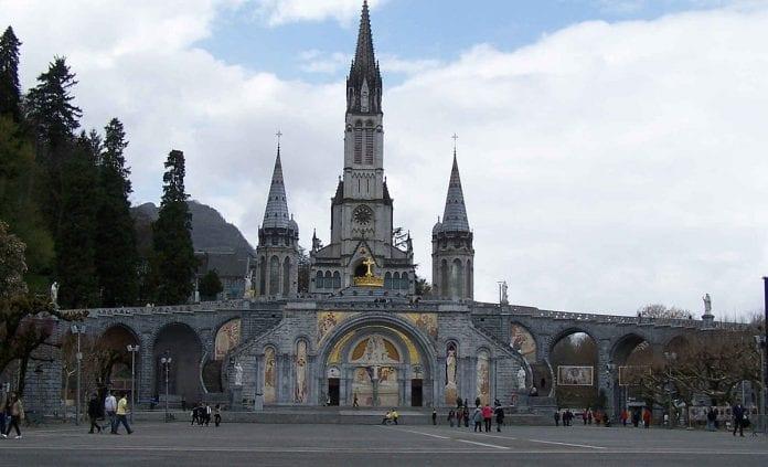Lurdo katedra Prancūzijoje