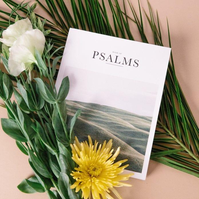 ant stalo guli psalmynas