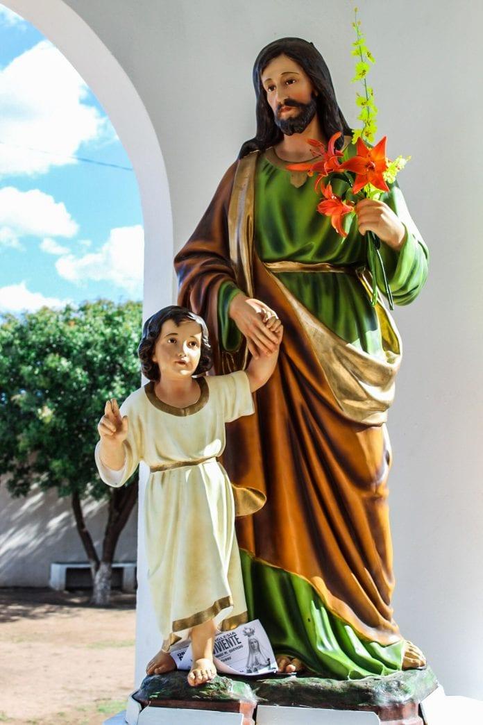 Juozapo ir Jėzaus statula