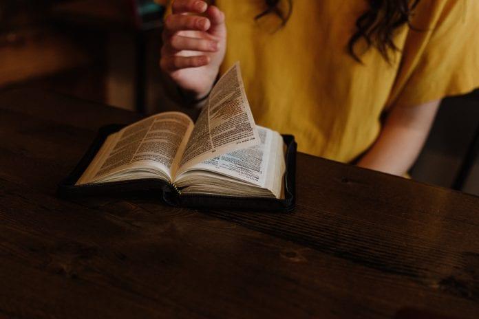 Skaitomas Šv. Raštas