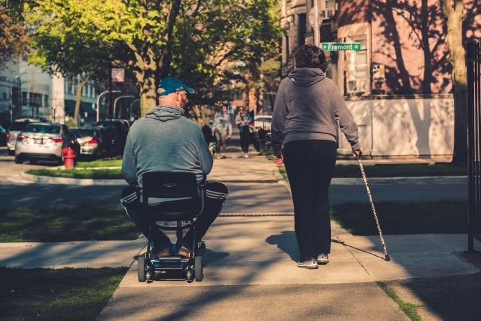 Valdžia žada paramą, įdarbinant neįgaliuosius