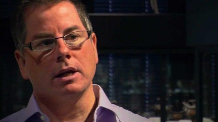 Australijos bendruomenės krikščionybės centro direktorius ir istorikas Džonas Diksonas kalba