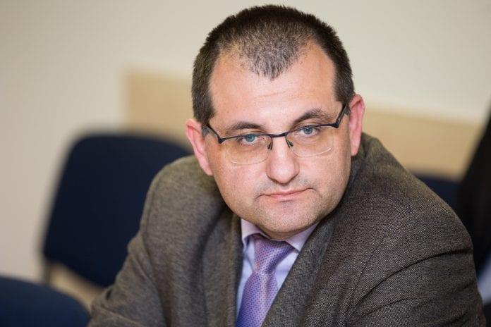 Žinomas Santaros klinikų medikas Vytautas Kasiulevičius pasiprašė atleidžiamas iš darbo
