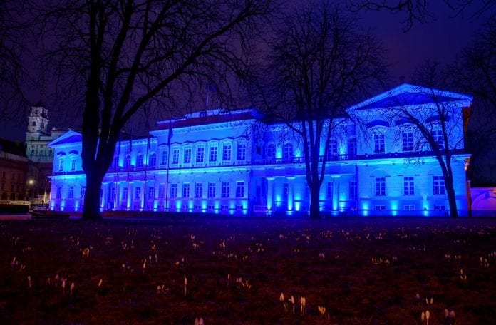 Prezidentūra nušvis mėlyna spalva