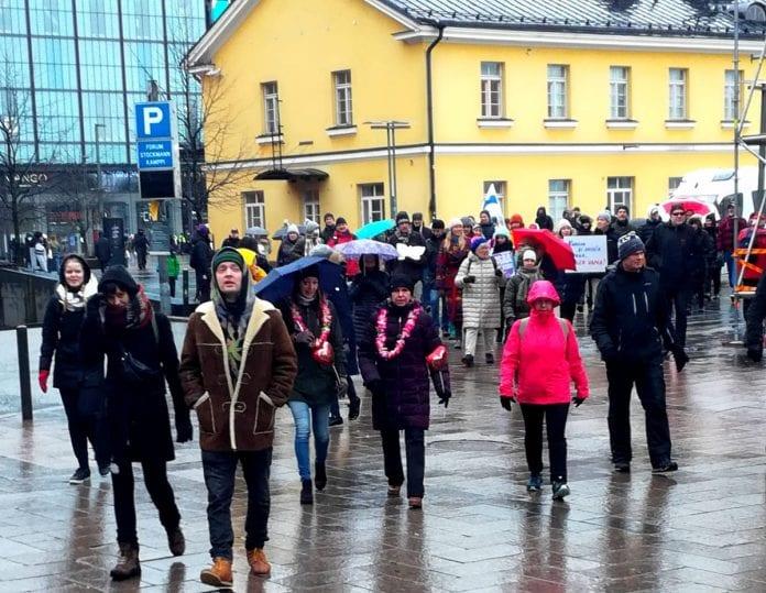 Protestuotojas Helsinkyje