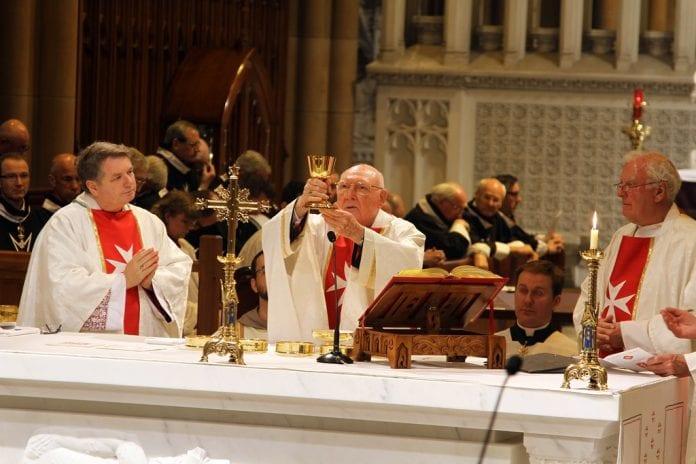 mirė kardinolas Edward Idris Cassidy