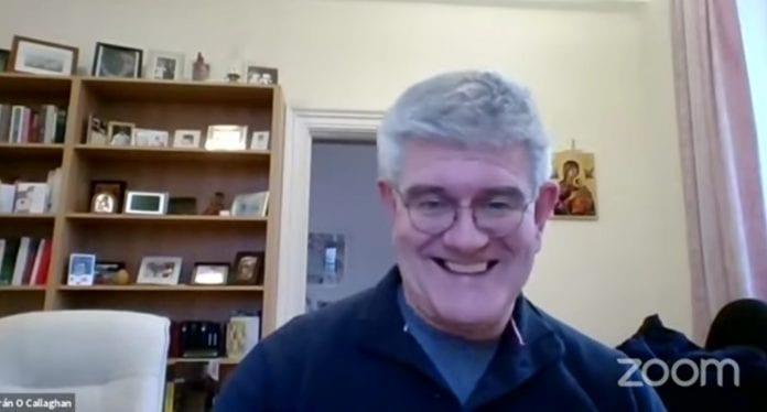 susitikimas su kunigu redemptoristu Ciaránu O'Callaghanu