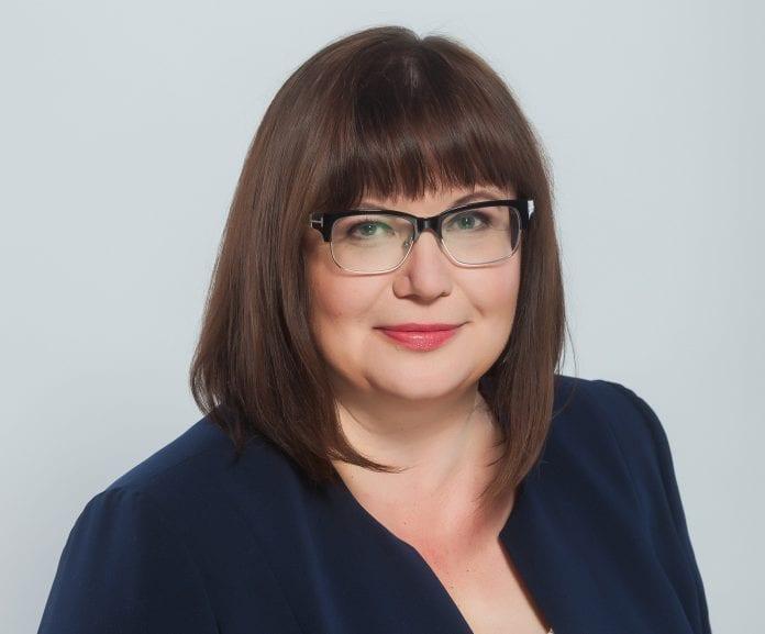 Seimo narė Orinta Leiputė šypsosi