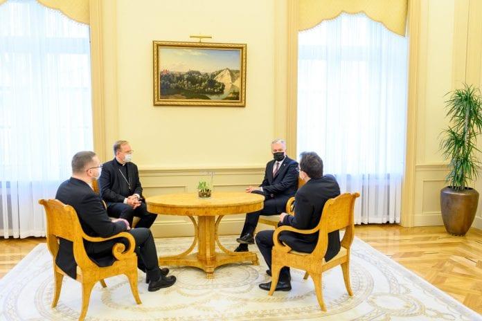 Prezidentas susitiko su tradicinių krikščioniškųjų bendrijų vadovais / Lietuvos Respublikos Prezidento kanceliarijos / Roberto Dačkaus nuotr.
