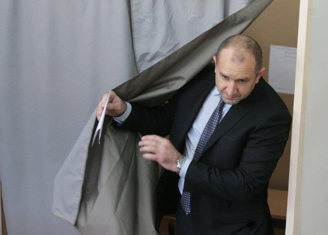 Bulgarijos prezidentas Rumenas Radevas sako