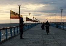 Lietuvos vėliavos ant Palangos tilto