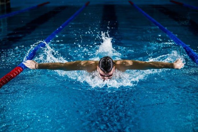 Profesionalus plaukikas