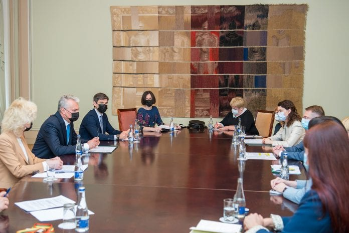 Prezidentas dalyvauja susitikime dėl vaikų teisių apsaugos