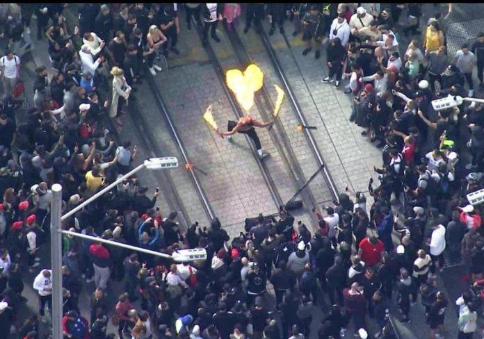 Protestas Sidnėjuje prieš karantiną