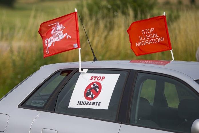 """""""Lietuvos Šeimų Sąjūdžio"""" akcija dėl nelegalių migrantų"""