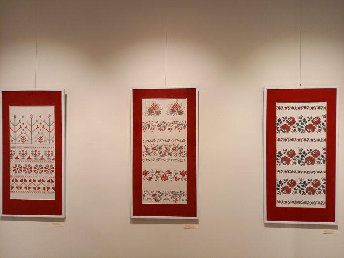 """Parodos """"Sakraliniai simboliai Ukrainos liaudies tekstilėje"""