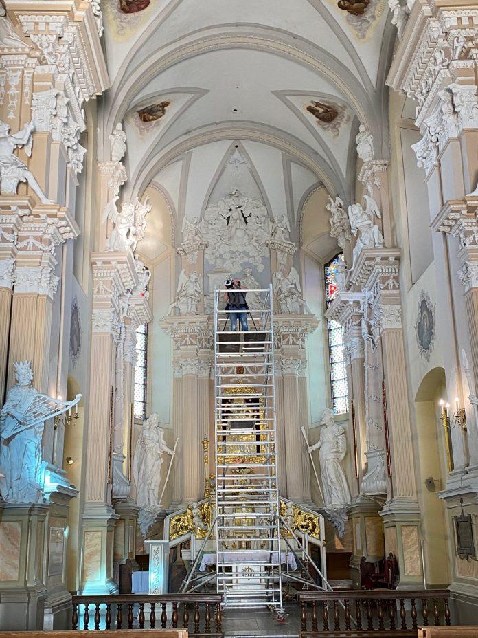 Šiluvos bazilikos interjeras