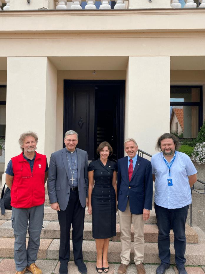Kauno arkivyskupas K. Kėvalas su svečiais