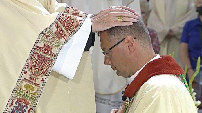 Vilniuje prelatas Visvaldas Kulbokas įšventintas į vyskupus