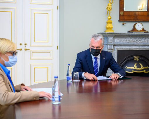Prezidentas Gitanas Nausėda trečiadienį susitiko su švietimo, mokslo ir sporto ministre Jurgita Šiugždiniene