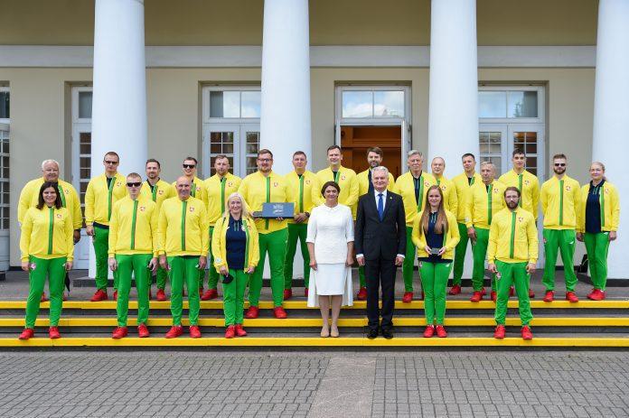 Lietuvos Respublikos Prezidentas Gitanas Nausėda penktadienį į Tokijo vasaros paralimpines žaidynes išlydėjo Lietuvos nacionalinę komandą
