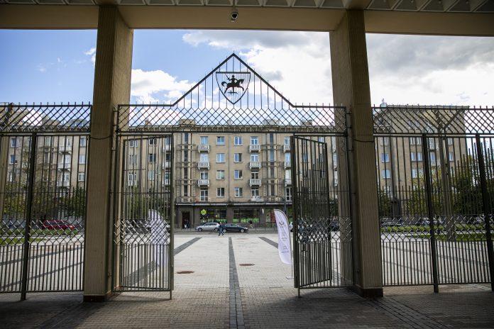 Visuomenei atvertas Seimo rūmų Didysis kiemas