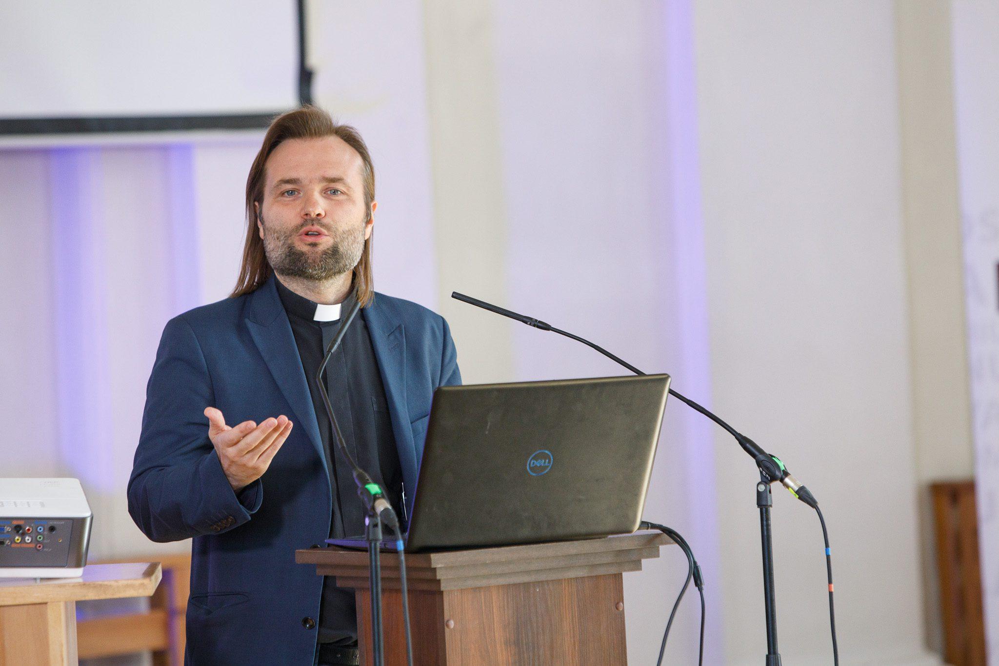 Kunigas Algirdas Toliatas / Laisvos visuomenės instituto nuotr.