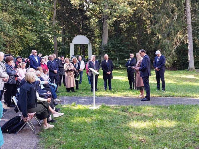 Ukmergės rajone sekmadienį paminėtos 80-osios vietos žydų sunaikinimo metinės