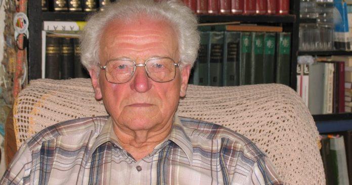profesorius, habilituotas fizinių ir matematikos mokslų daktaras Kęstutis Makariūnas