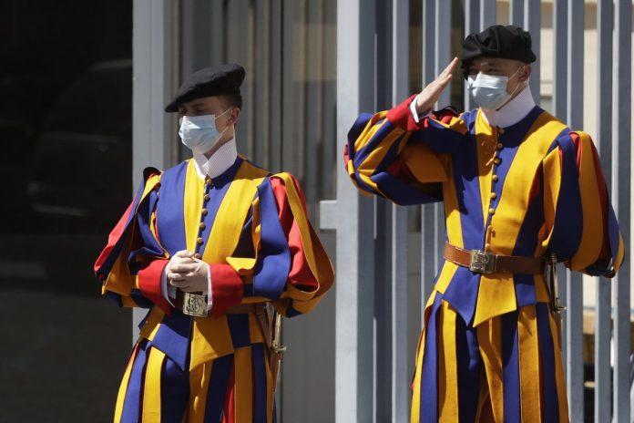 Vatikano šveicarų gvardiečiai