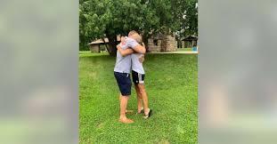 Melanie Pressley su sūnumi susitiko po 33 metų